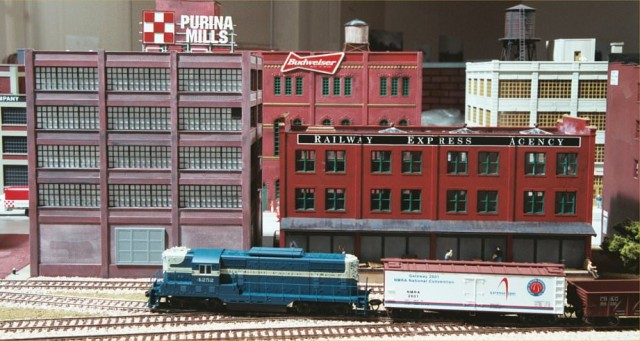 REA Freight House on the Missouri History Museum Model Railroad Layout.