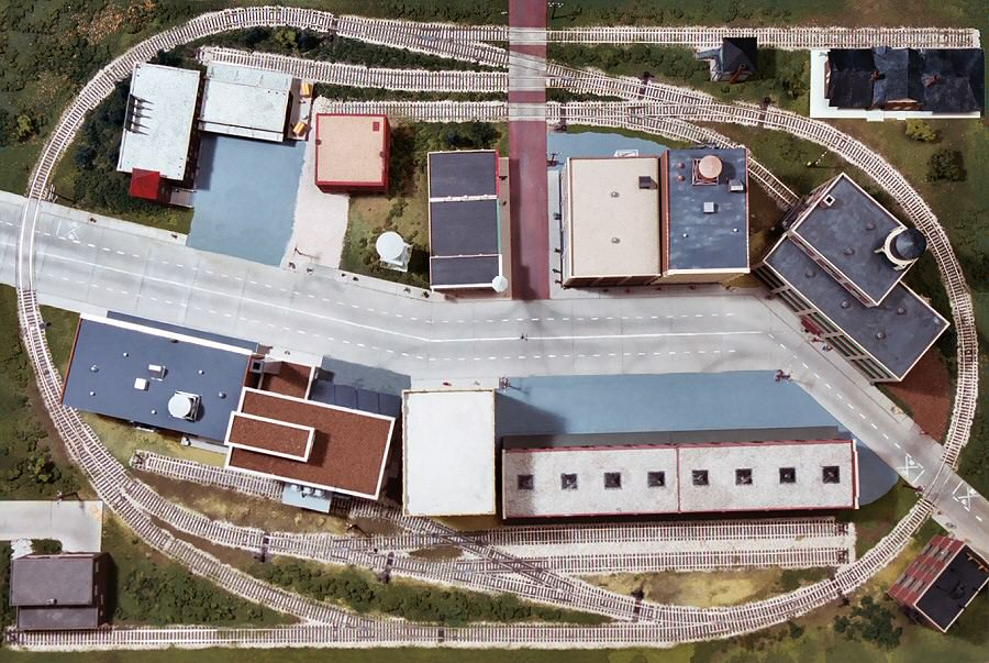Small industry on a 4x6' layout? (first layout) - Model Railroader