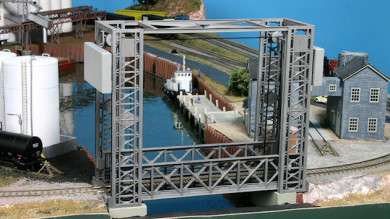 Lift Bridge and Grain Elevator on the Riverport Small Model Railroad Layouted