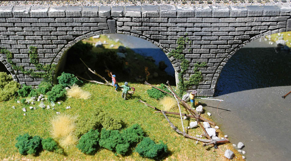 Scratch Building a Stone Arch Viaduct