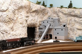 Gary Gross' HO Scale Franklin Pacific Model Railroad