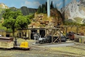 Don Taschner's HO and HOn3 Scenic Model Railroad