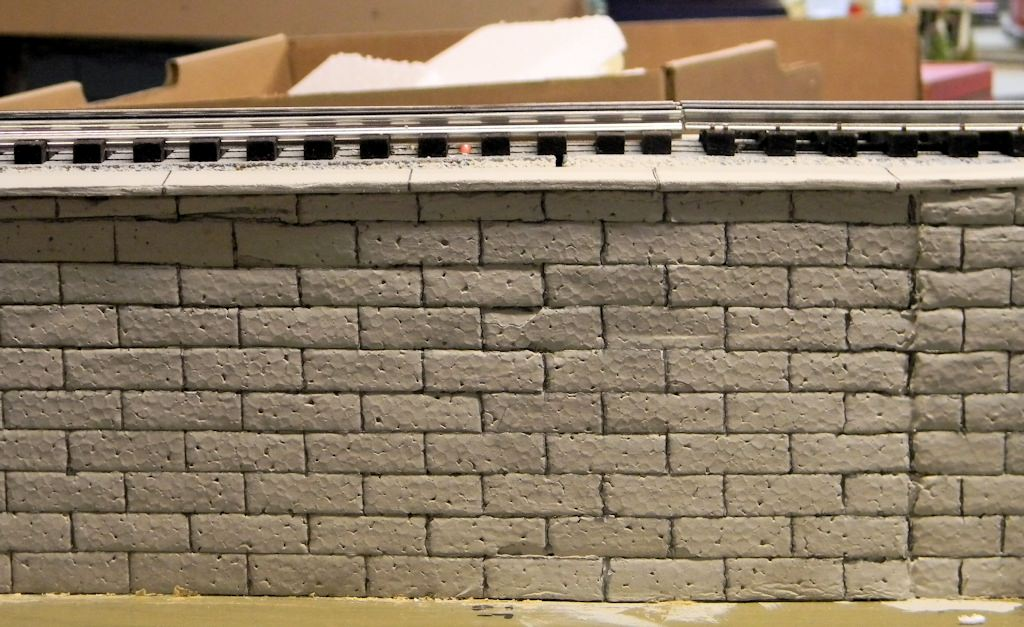 Build a retaining wall with packing styrofoam gateway nmra for Styrofoam block walls