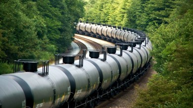Eastbound Bakken crude oil train at Cassandra grade