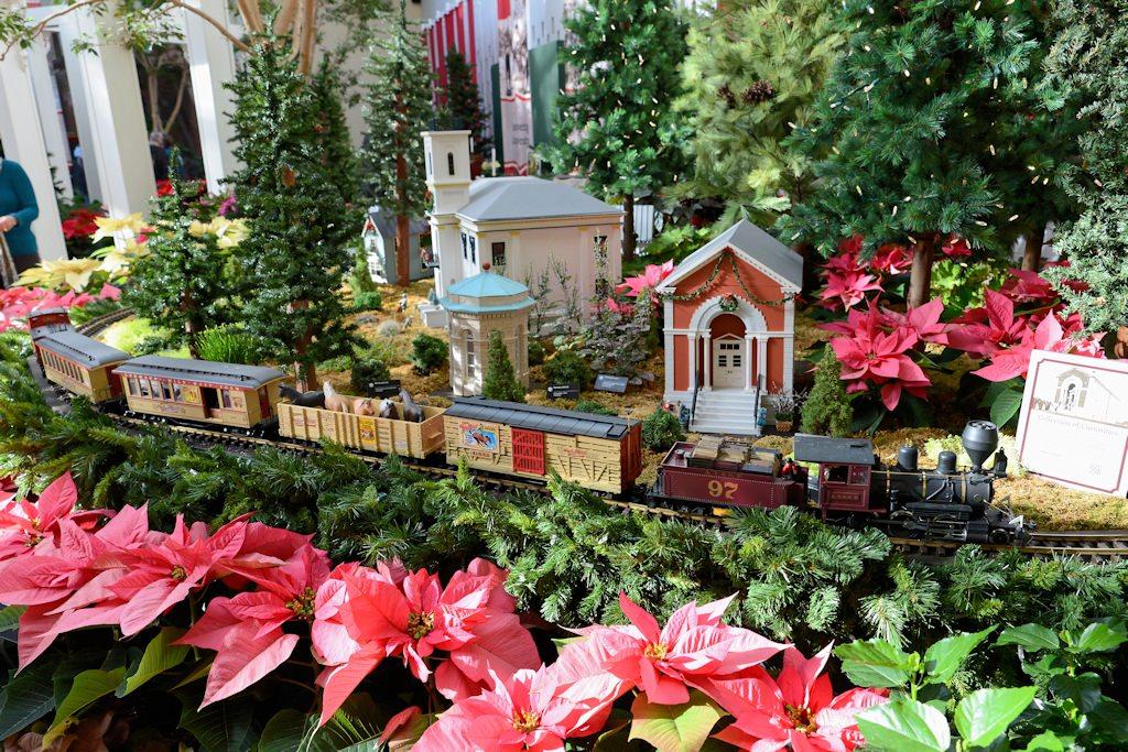 2014 Missouri Botanical Garden Gardenland Express Garden Railroad
