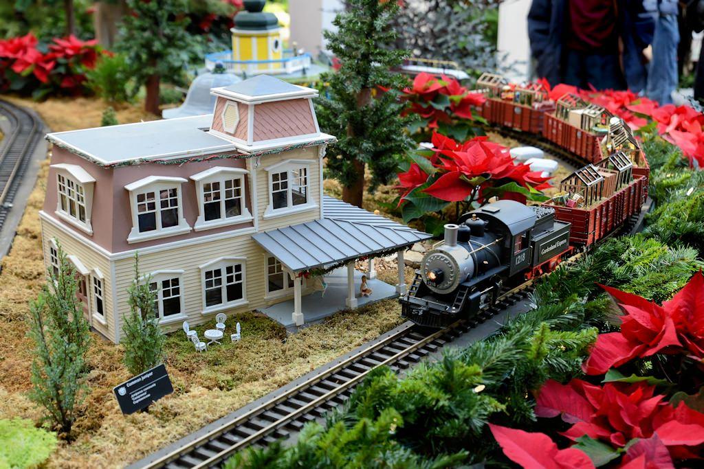 2014 Missouri Botanical Garden U201cGardenland Expressu201d Garden Railroad
