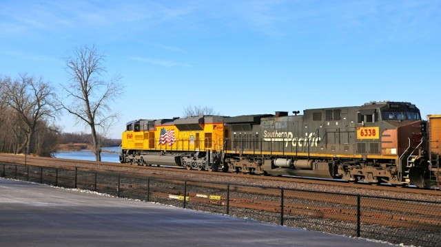 This westbound at Washington, MO, shows an espee running second unit.