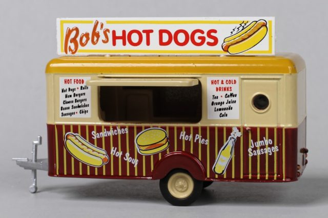 Oxford's HO Scale Bob's Hot Dogs Food Trailer