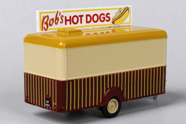 Rear Side of Oxford's HO Scale Bob's Hot Dogs Food Trailer
