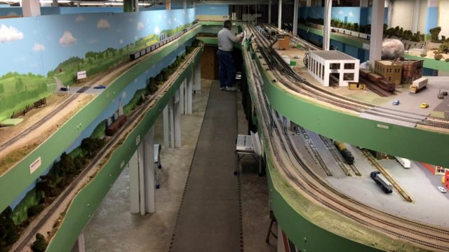 An Operating Session at Mexico Train Works