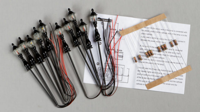 The package includes ten street lights, ten resistors (if you want to use a 9 to 16 volt power supply), and an instruction sheet.