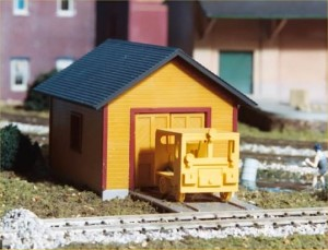 """Walthers Cornerstone """"Trackside 3-Piece Set with Accessories"""" 933-2800"""