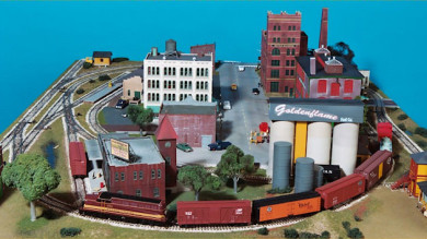 A Fun to Operate Small HO Scale Train Layout - Gateway Central IX