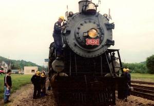 Frisco 1522 head-on shot - a service stop at Newburg, Missouri.