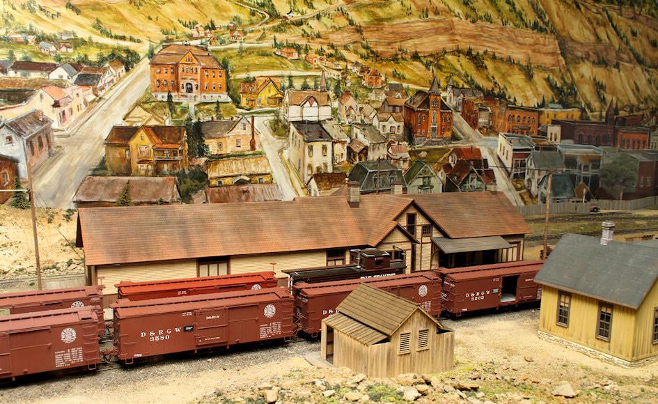 Bill Gieses Beautiful Rock Island HO Model Railroad