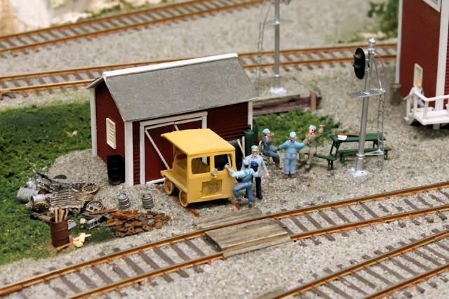 Detailing a Model Railroad Yard Scene