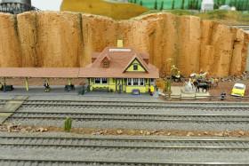 Kenneth Kroschwtz's Amazing K-10 Model Trains Layout