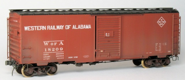 After upgrading the paint, the model matches the family appearance of the rest of its Georgia, A&WP and WofA brethren, with black roof and black (weathered) trucks.