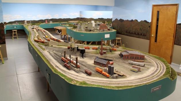 Litchfield Train Group by Lonnie Bathurst