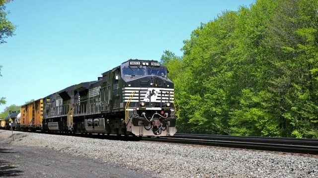 Westbound mixed freight at Carney Crossing, between Cresson and Lilly. This is one of only two road crossings in the some 50 miles of railroad between west Altoona and Johnstown.